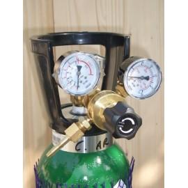 Riduttore di pressione manometro per bombole gas ricaricabili
